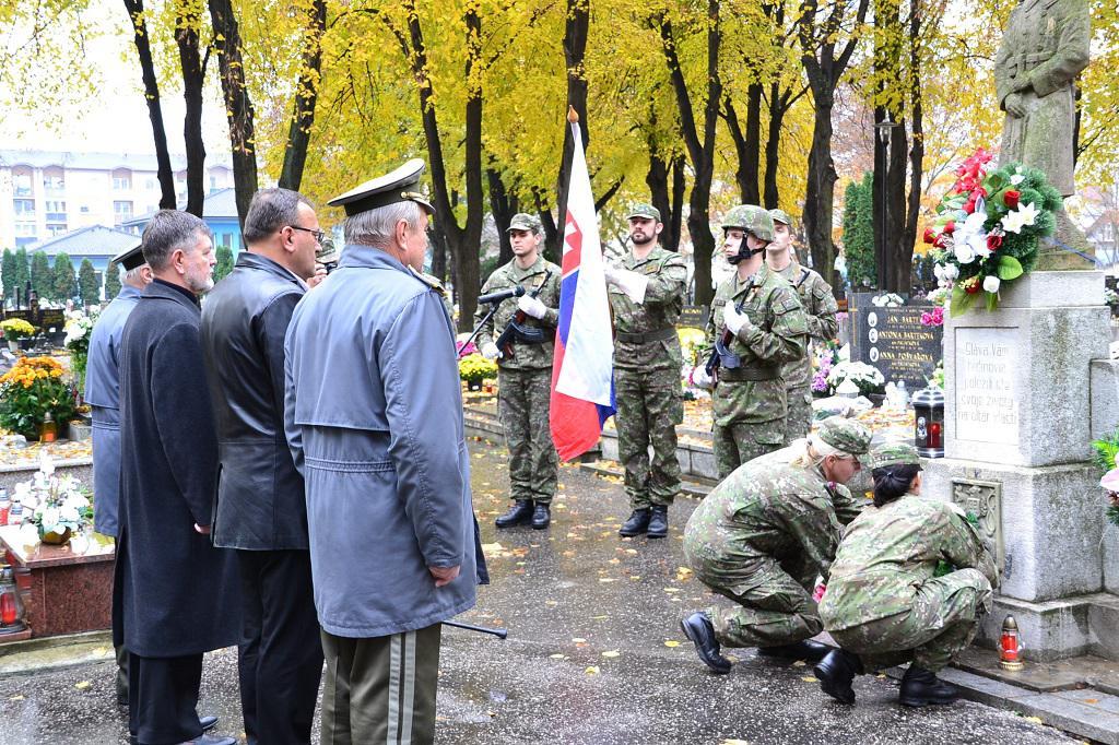 bfb820e1b Pietna spomienka k 97. výročiu ukončenia I. svetovej vojny a Dňa veteránov  _ Červené
