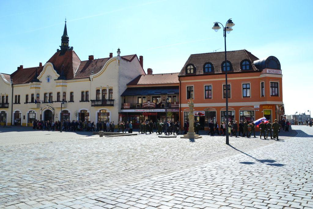 7f21d3502 Oslavy 72. výročia oslobodenie mesta Topoľčany